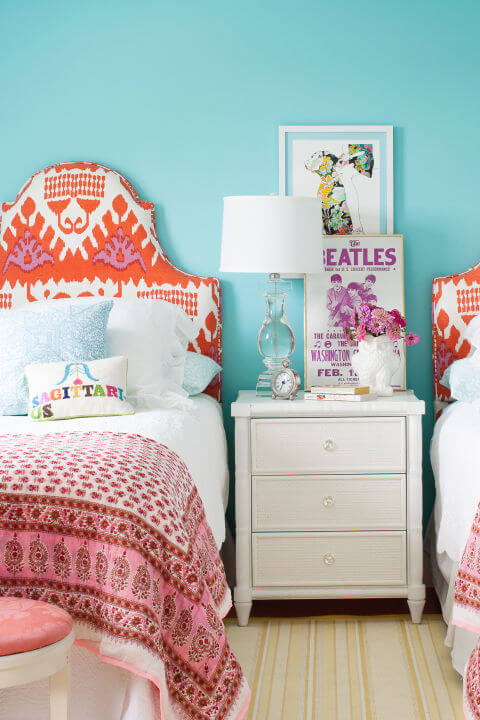 синий интерьер спальни
