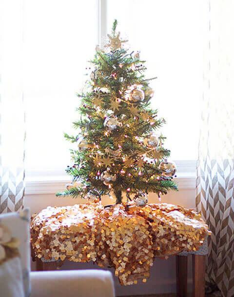 елка в золоте