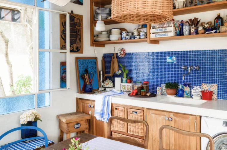 Как организовать кухню без шкафов